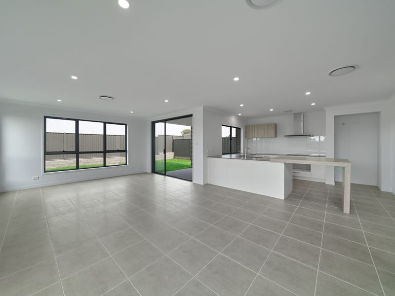 Lot 521 Molnar Circuit, Oran Park, NSW 2570