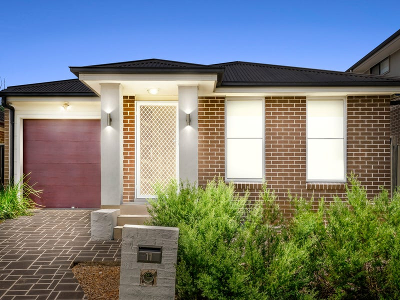 11 Scarlet Street, Jordan Springs, NSW 2747