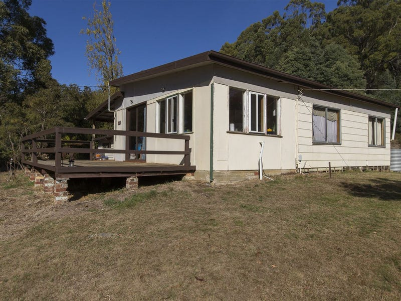 274 Police Point Road, Police Point, Tas 7116