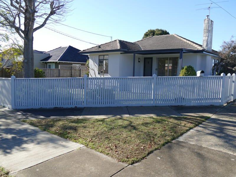 1/18 Moorong Street, Chadstone, Vic 3148