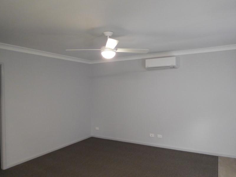 8 8-10 Willow Street, Kooringal, NSW 2650