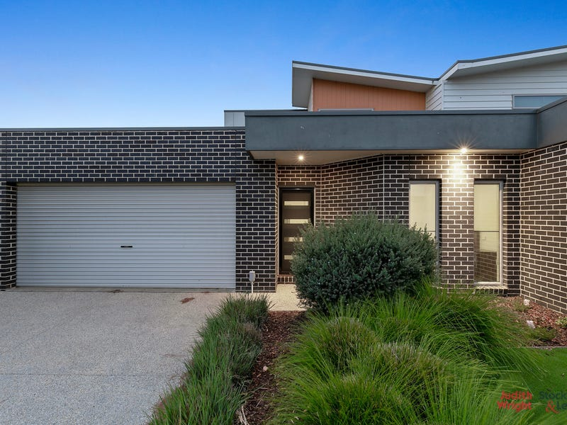 30 Birch Crescent, Cowes, Vic 3922