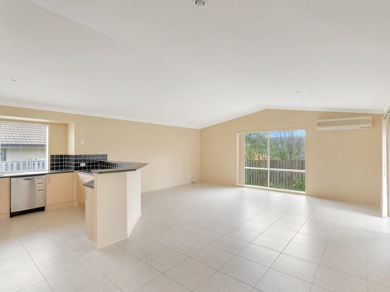 42 Witheren Circuit, Pacific Pines