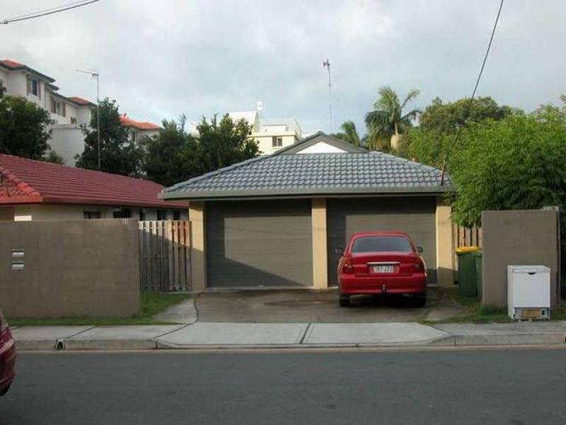 1/23 Little Norman Street, Southport, Qld 4215