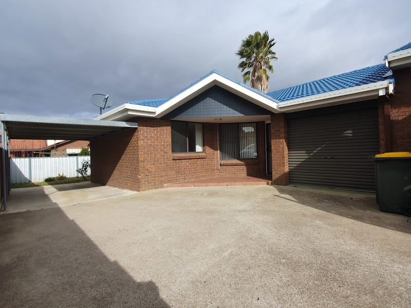 2/9 Piper Street, Tamworth