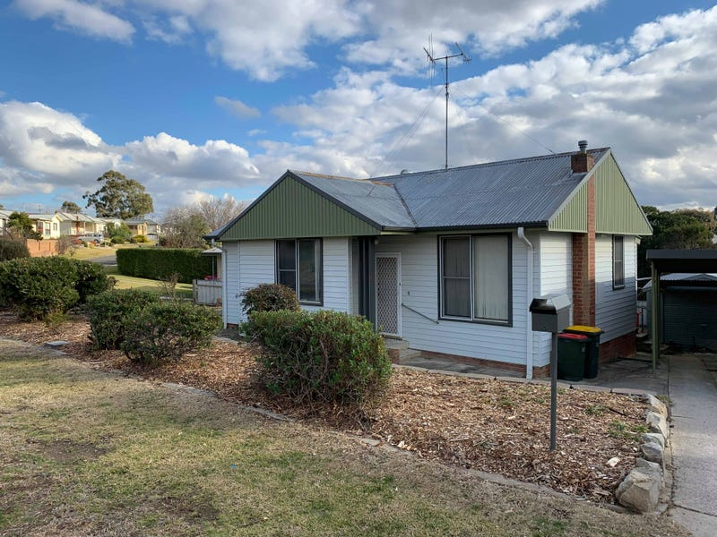 8 Hollis Avenue, Goulburn, NSW 2580