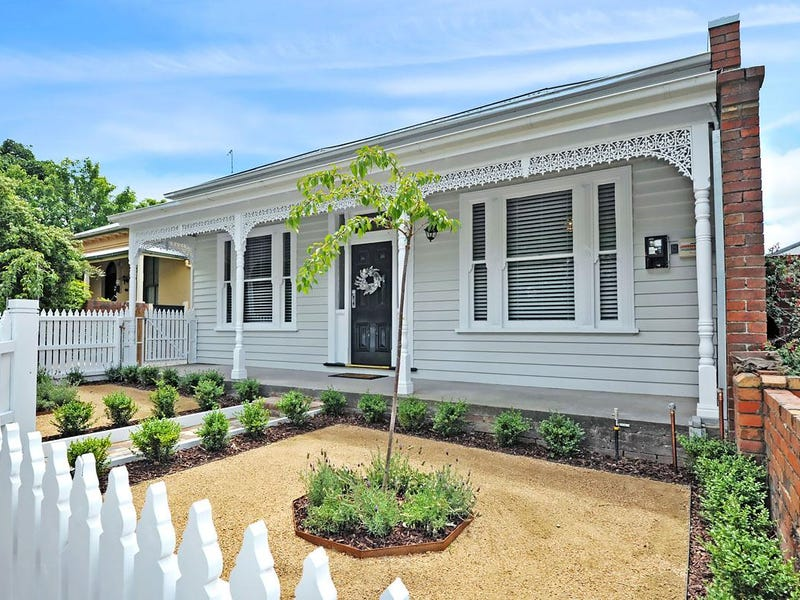 104 Clarendon Street, Soldiers Hill, Vic 3350