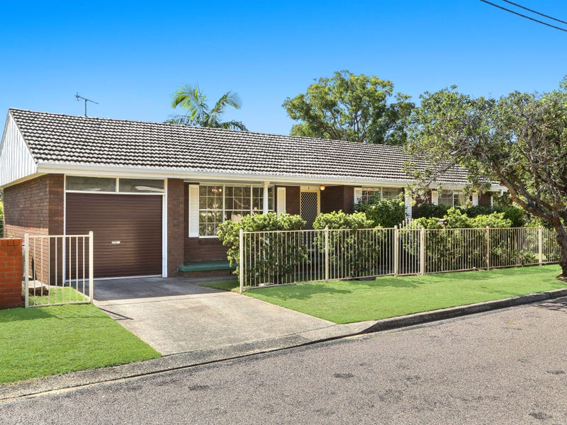1 Golden Avenue, Point Clare, NSW 2250