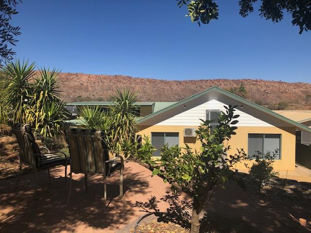 81 Cromwell Drive, Desert Springs, NT 0870