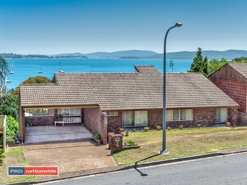 1 Corrie Parade, Corlette, NSW 2315