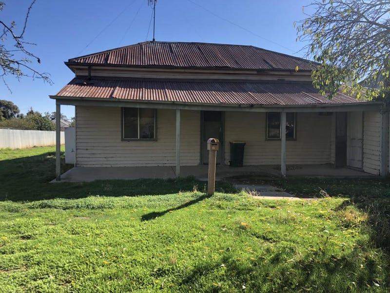 65 Coree Street, Finley, NSW 2713