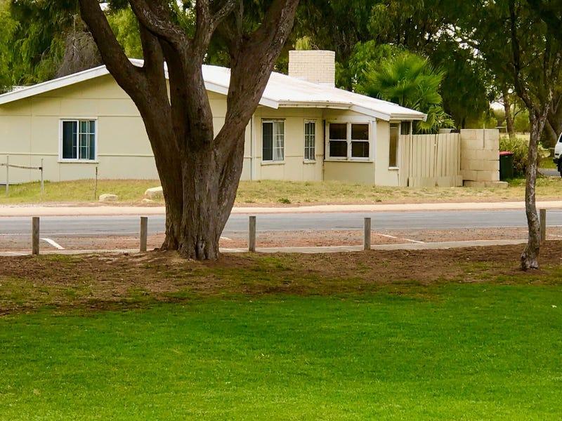 43 Gingin Road, Lancelin, WA 6044