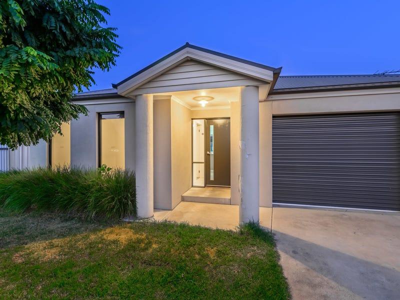 358 Cambourne Street, Lavington, NSW 2641