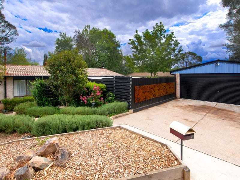 12 Bunker Place, Charnwood, ACT 2615