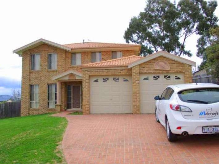 71 Halloran Drive, Jerrabomberra, NSW 2619