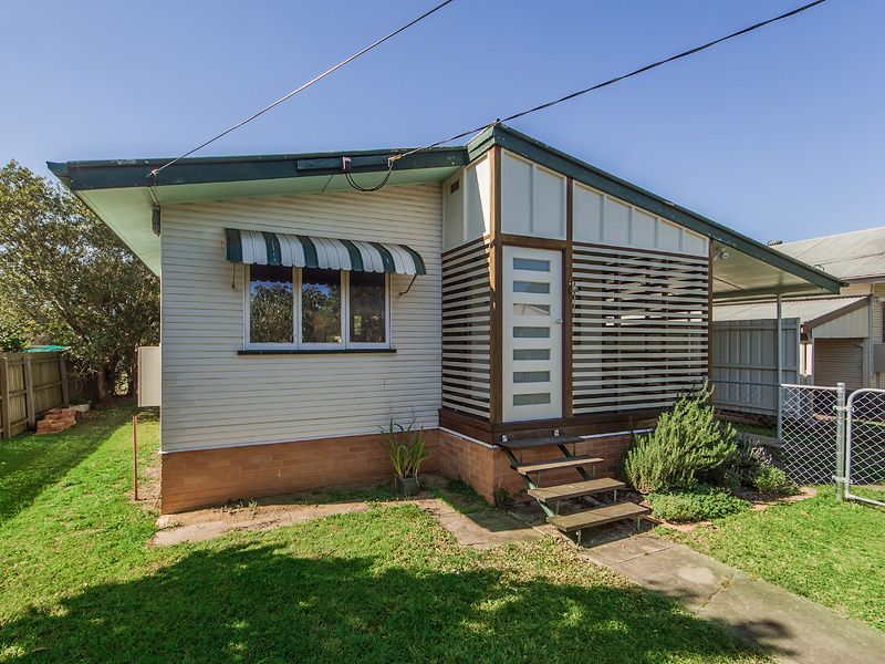 6 Walkers Lane, Booval, Qld 4304