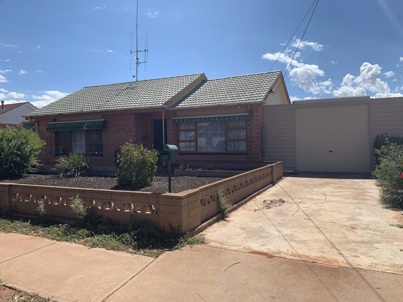 92 Flinders Avenue, Whyalla Stuart, SA 5608