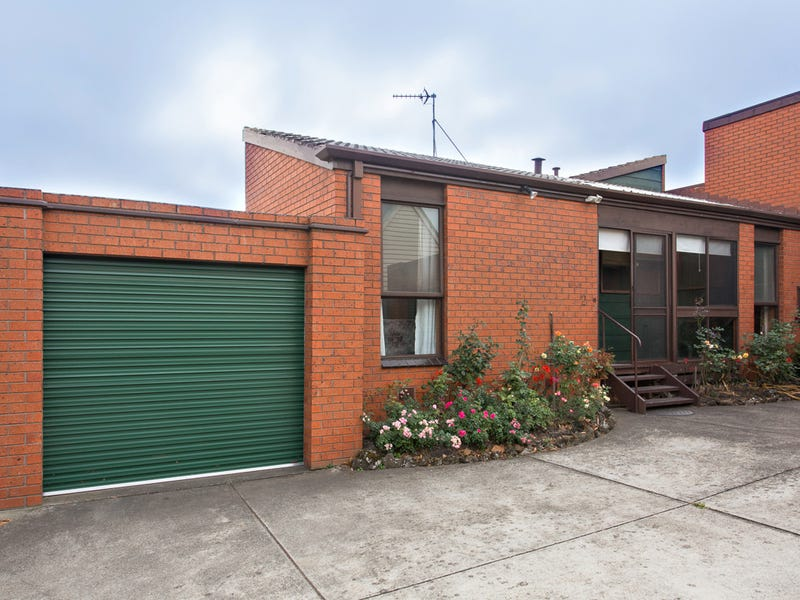 2/504 Lydiard Street North, Soldiers Hill, Vic 3350