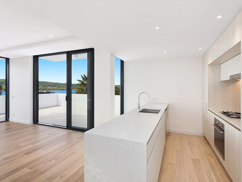 402/148A Albany Street, Point Frederick, NSW 2250