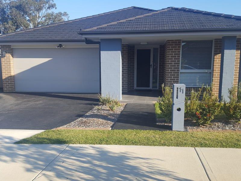 11 Killuna Way, Jordan Springs, NSW 2747