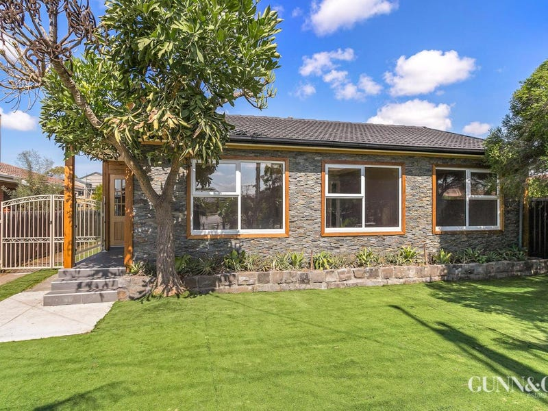 32 Whittaker Avenue, Laverton
