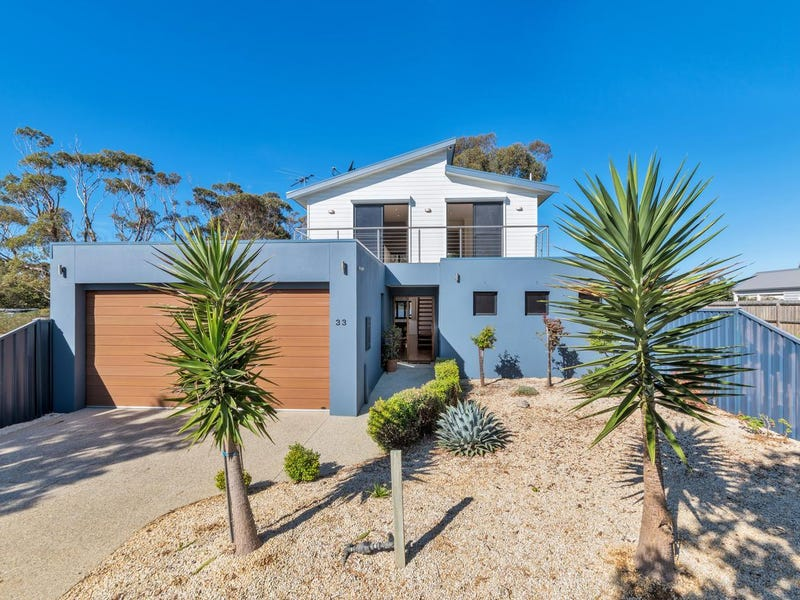 33 Mainsail Drive, St Leonards, Vic 3223