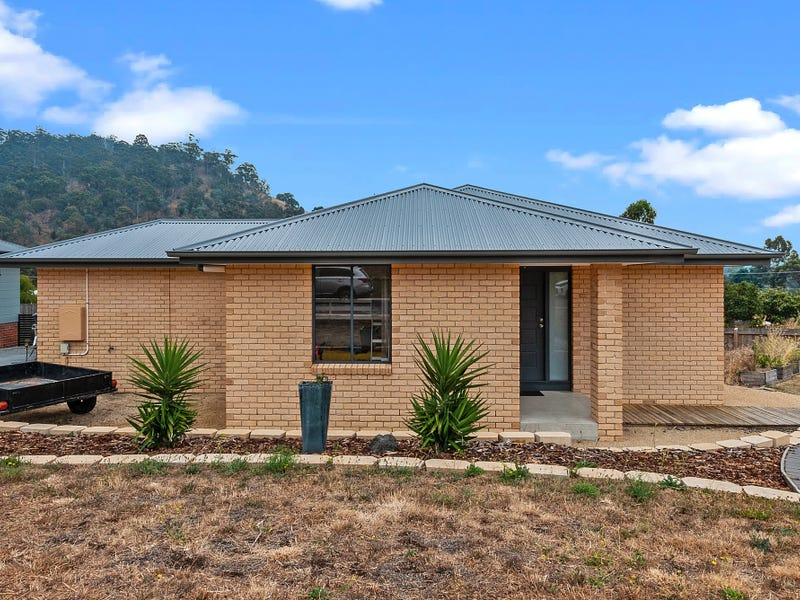 2/25 Blossom Crescent, Cambridge, Tas 7170