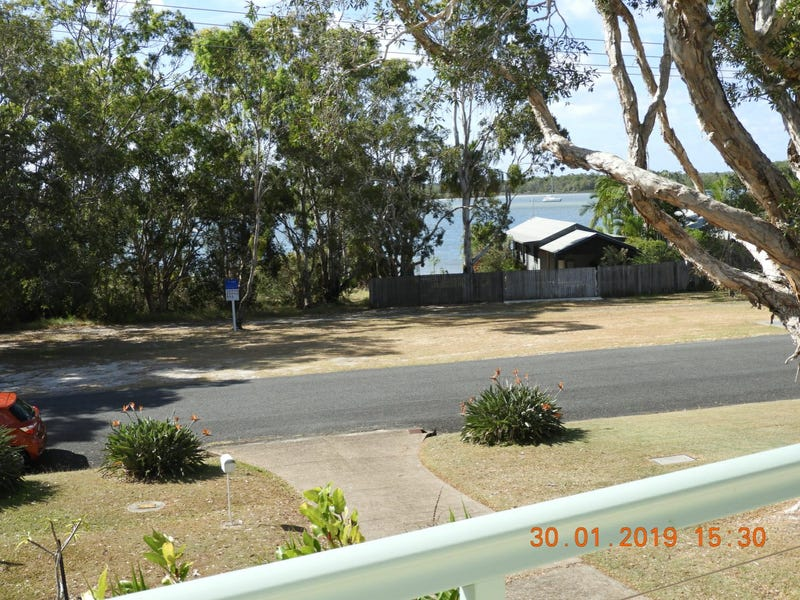 11 Oyster Parade, Tin Can Bay, Qld 4580
