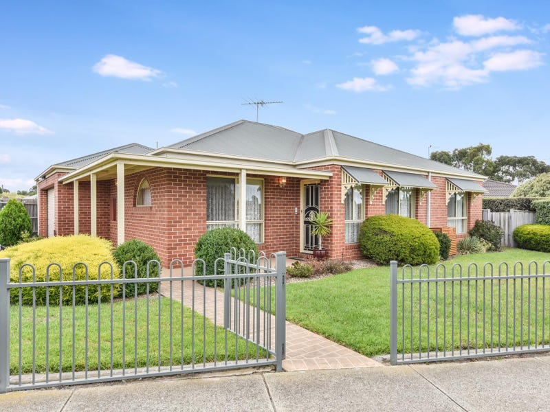 9 Binalong Court, Grovedale, Vic 3216