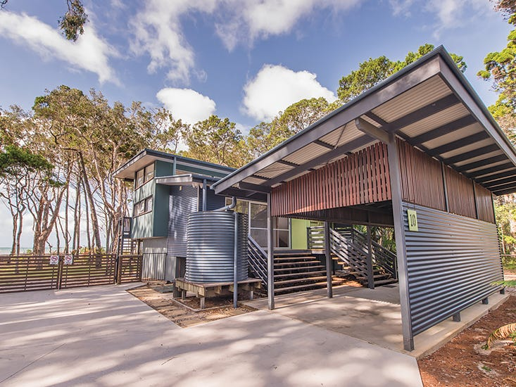 10 Old Ballow Street, Amity Point, Qld 4183