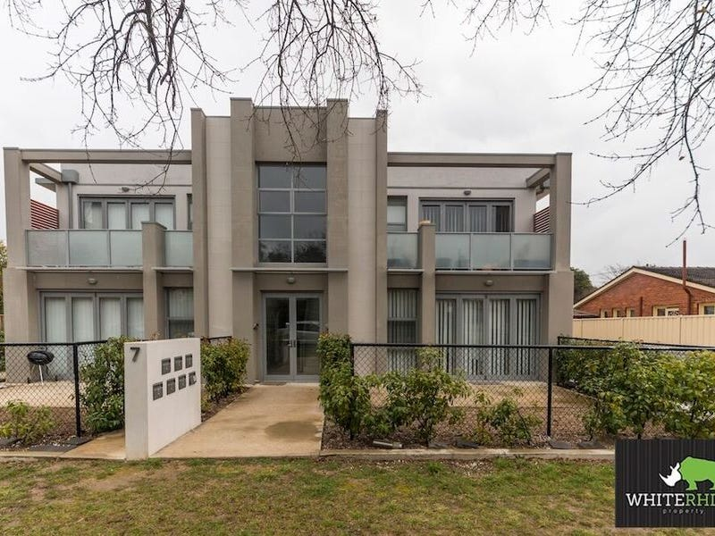 2/7 Owen Crescent, Lyneham, ACT 2602