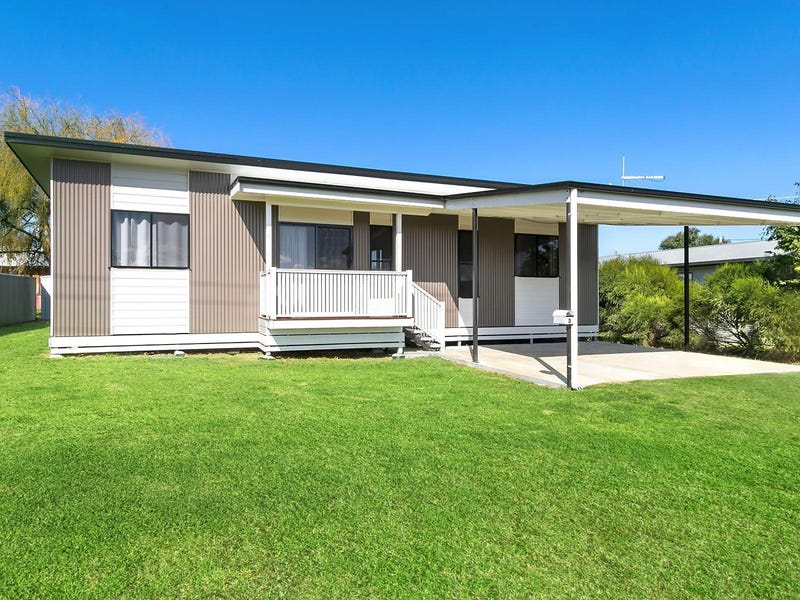 3 Commerford Street, Nobby, Qld 4360