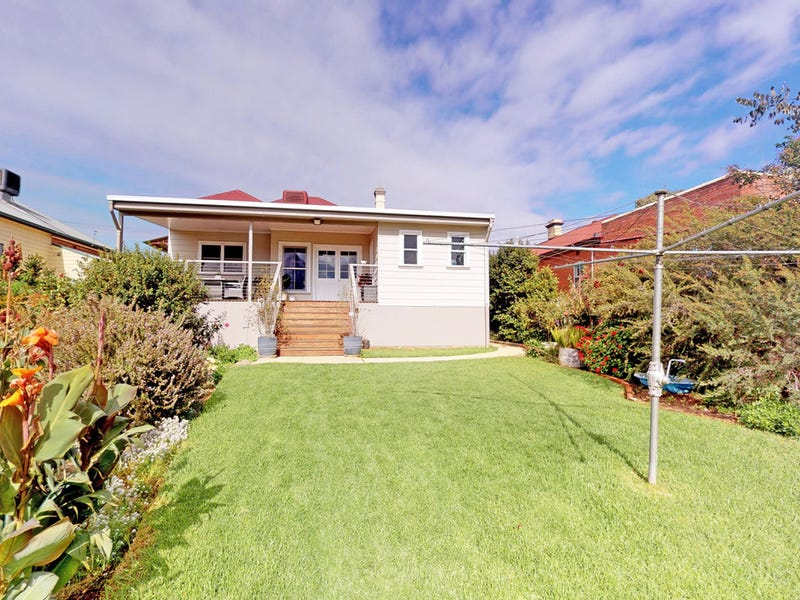 18 Dalley St, Junee, NSW 2663