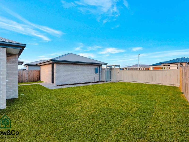 107 Woodline Drive, Spring Mountain, Qld 4300