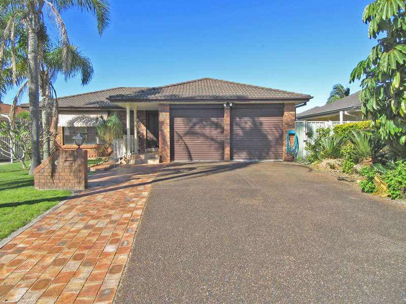 40 Shoreline Drive, Fingal Bay, NSW 2315