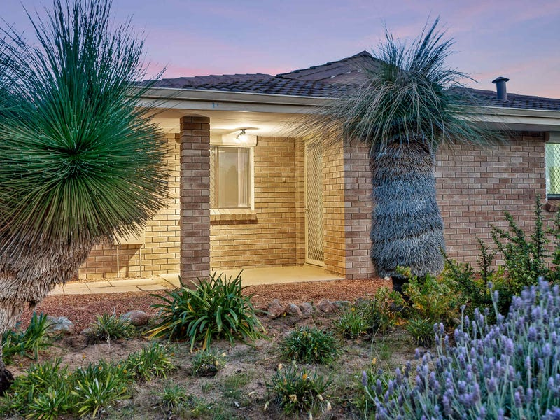 34 Quickly Crescent, Hamilton Hill, WA 6163