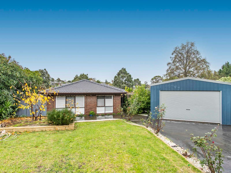 2 Bass Place, Endeavour Hills, Vic 3802