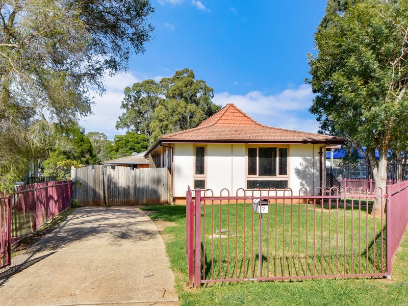 7 Elizabeth Way, Airds, NSW 2560