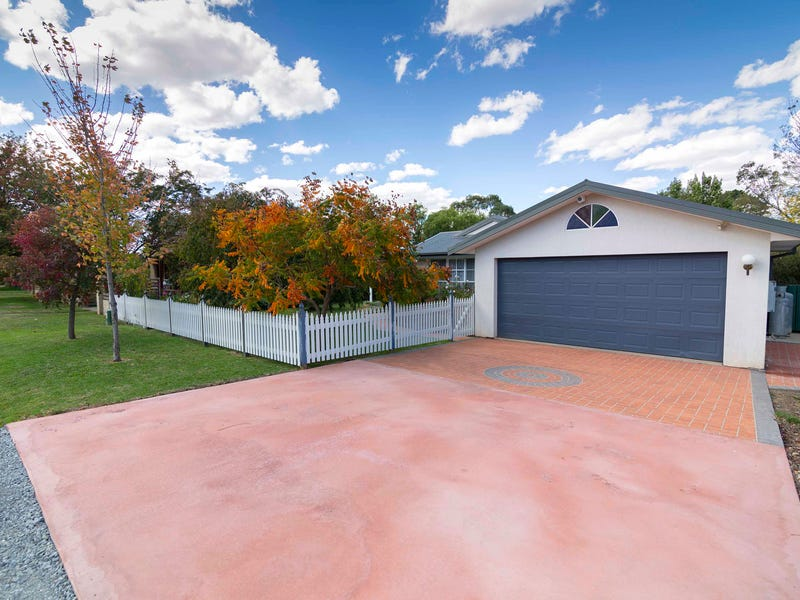 12 Lucknow Street, Spring Hill, NSW 2800