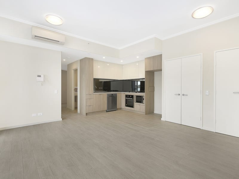 621/1-39 Lord Sheffield Circuit, Penrith, NSW 2750
