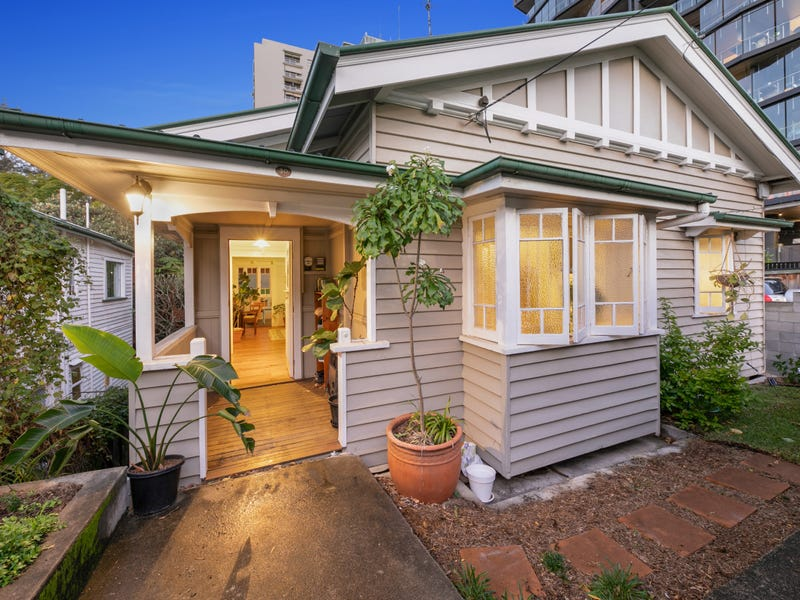 30 Bellevue Street, Highgate Hill, Qld 4101