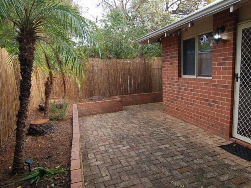 17A Meadow, Guildford, WA 6055