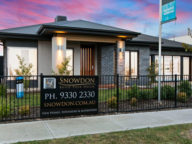 18 Littleshore Crescent, Clyde North, Vic 3978