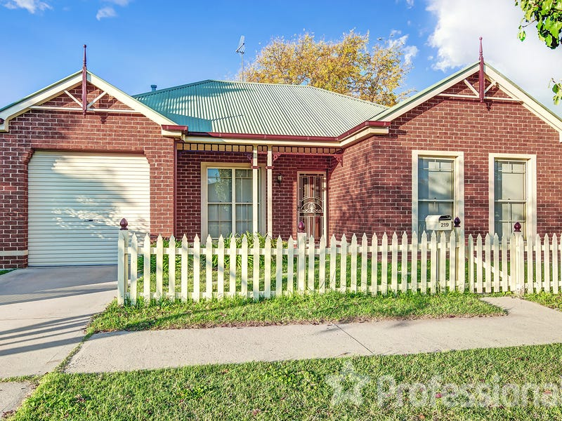 219 Rocket Street, Bathurst, NSW 2795