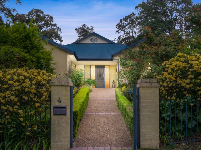 4 Brooklands Road, Glenbrook, NSW 2773