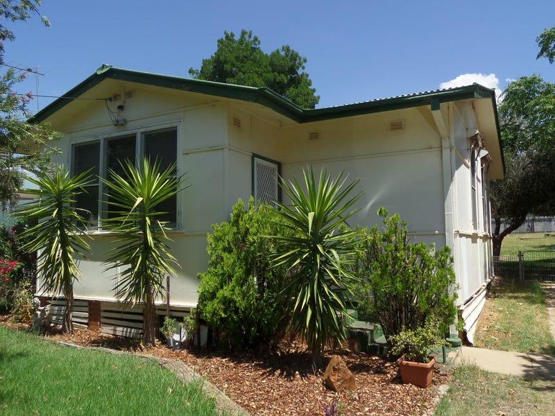 16 Larmer Street, Narrandera