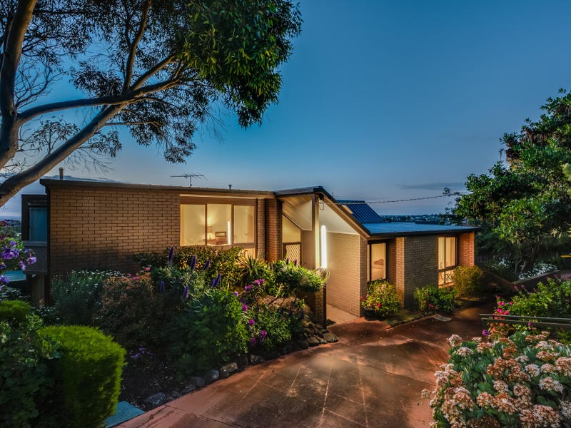 35 Montpellier Drive, Highton, Vic 3216