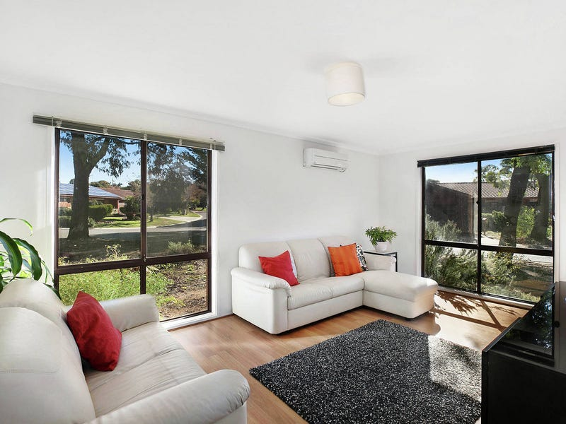 12 Tattersall Crescent, Florey, ACT 2615