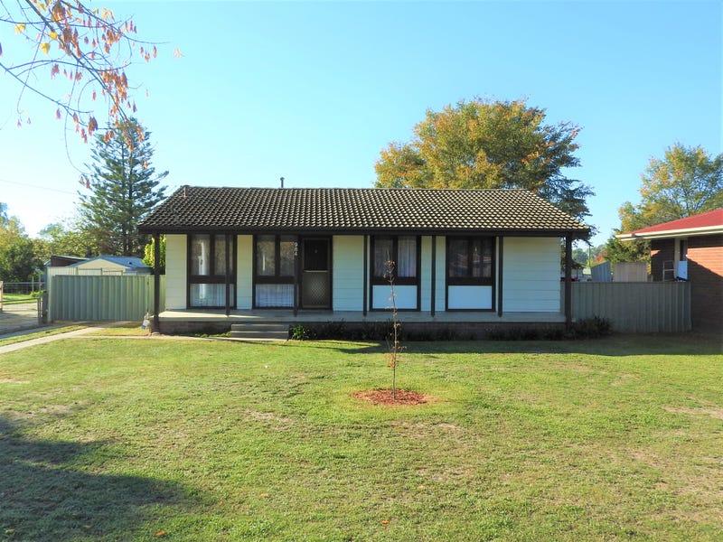 984 Captain Cook Drive, North Albury, NSW 2640