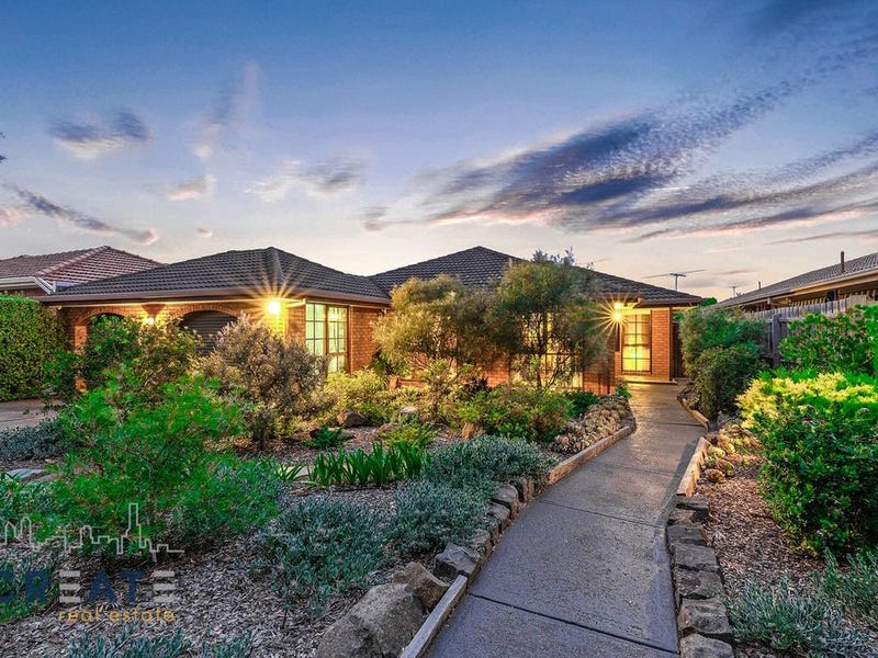 60 Chichester Drive, Taylors Lakes, Vic 3038